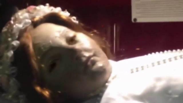 墨西哥300年前的肉身圣像居然突然睁眼!