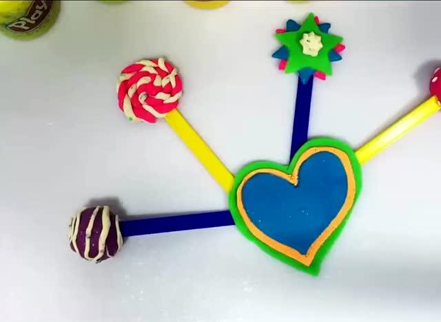 跟孩子一起动手动脑diy培乐多彩泥制作彩虹棒棒糖