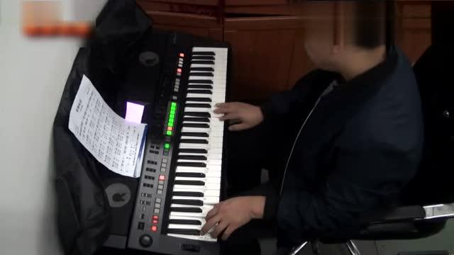 电子琴演奏86版西游记片头曲《云宫迅音》真好听,经典图片