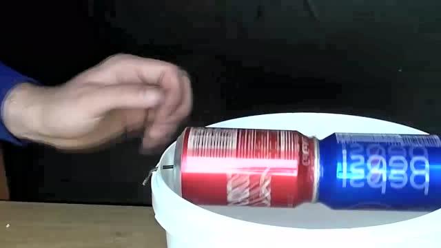 牛人用可乐瓶手工制作捕鼠器,老鼠一扫而光!