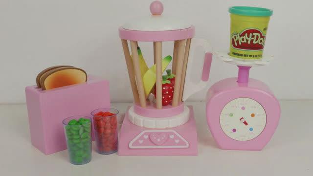 过家家玩具水果切切看香蕉草莓豆浆机电子称橡皮泥面包
