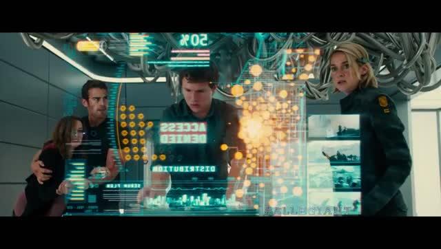 酷炫的高科技打斗,再现科幻视觉