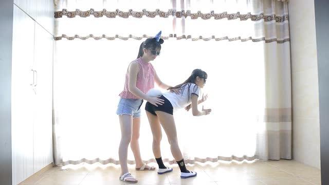 两个小美女跳搓腚舞,我也是醉了表情包有毒啊图片
