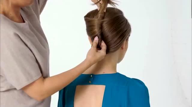 空姐发型_最美法式空姐发型教程 只需这样绕一绕