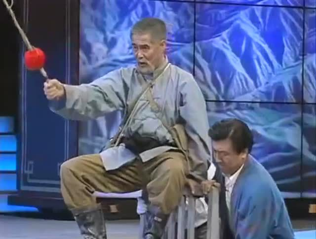 小品《三鞭子》赵本山演绎热心大叔做好事!
