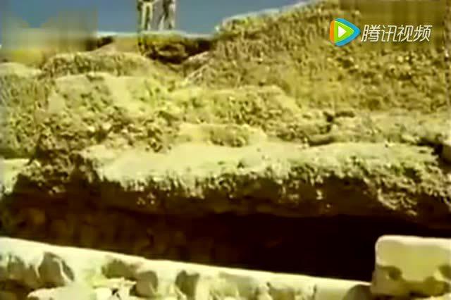 埃及金字塔古墓之谜