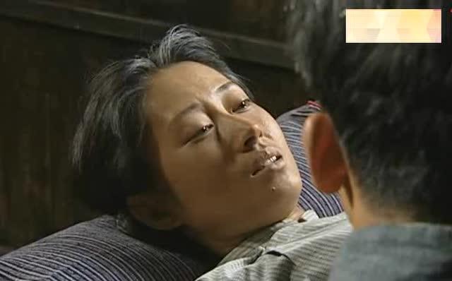 福贵:福贵给家珍做棺材,结果被凤霞砍坏 - 电视剧