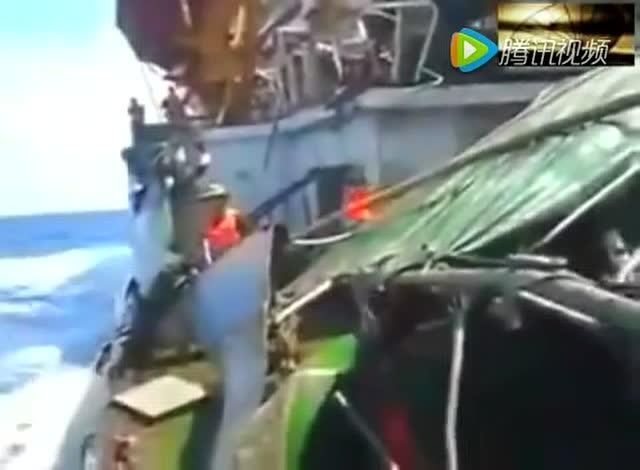 越南撞烂_越南船只被拦腰截断撞烂