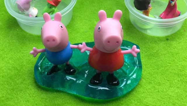 小黄人实验制作出水晶彩泥 小火车载去送给小猪佩奇