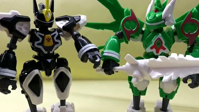 斗龙战士4铠甲战龙新玩具拆封 卡维力pk森美拉图片