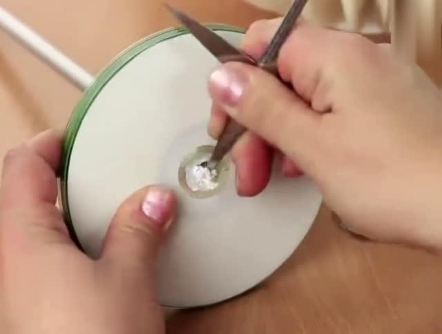 创意生活:纸盘手工制作高科技灯具,动动手做起来!