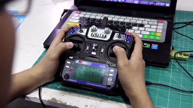 富斯遥控器 航模模拟器的安装使用