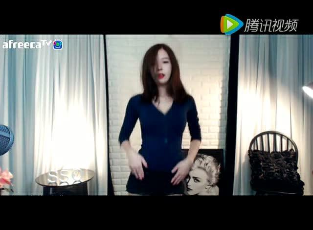 王思聪旗下首席美女伊素婉劲情热舞图片