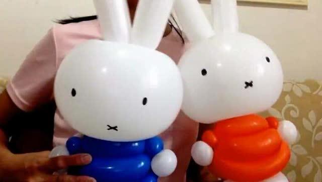长条气球编小动物系列:小白兔气球造型教程!