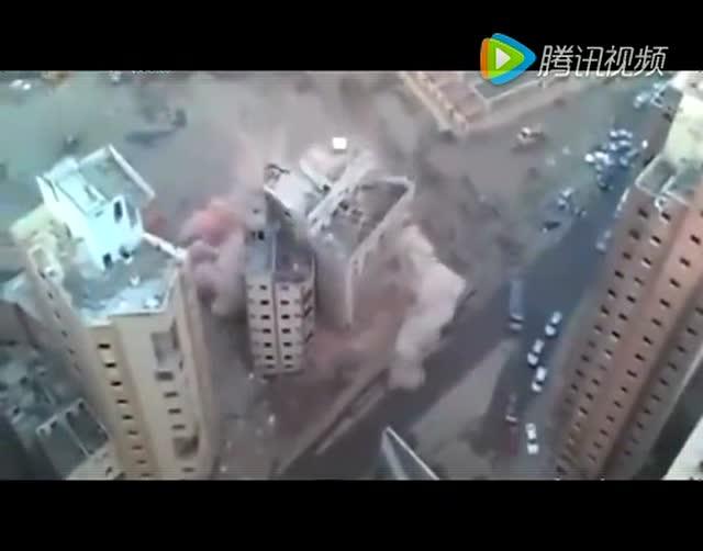 灰飞烟灭囹�a�e+��_高层塔楼瞬间灰飞烟灭 拆了还是倒塌