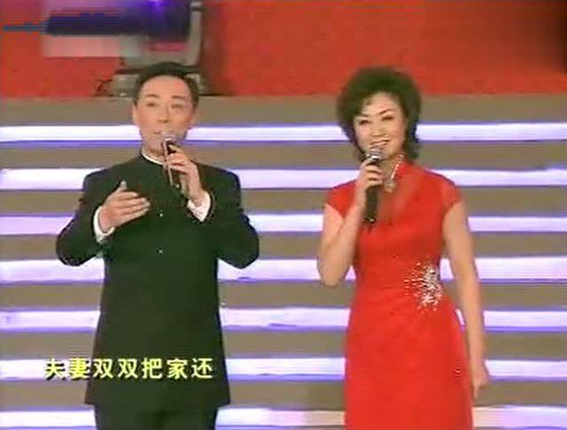 于魁智 李胜素唱起黄梅戏 夫妻双双把家还 也是好听的不得了
