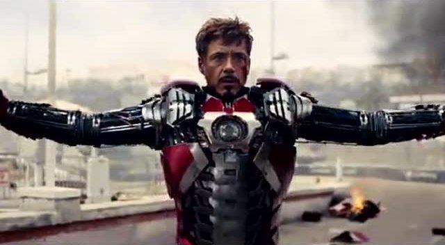 钢铁侠 马克42变身,哈哈,瞧他这骚劲