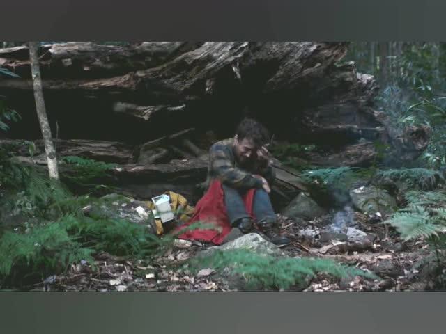 丛林冒险,额头上取出一条恶心的嗜血寄生虫! - 电视剧