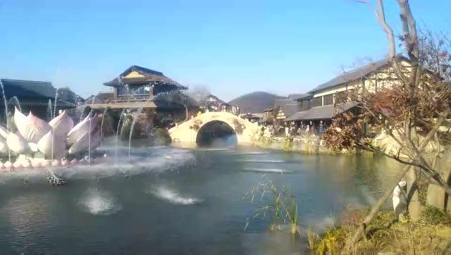 无锡拈花湾小镇,一朵盛开的音乐莲花喷泉,赏心悦耳