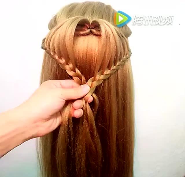 高马尾心形发型