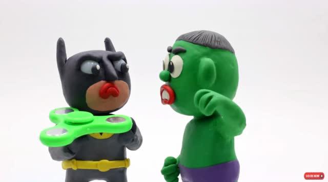 神奇的橡皮泥动画 蝙蝠侠弄坏绿巨人的飞盘