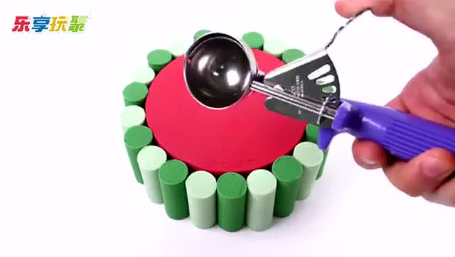 乐享玩聚的形状乐园 第204集 手工制作彩泥圆柱形