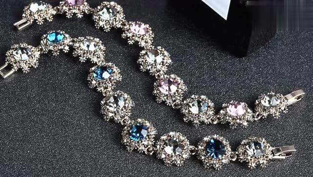 十二星座:十二星座专属a女孩女孩,你应该戴哪种?摩羯座双鱼座手链喜欢用的网名图片