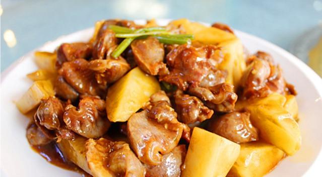 家常菜五花肉墨鱼炖视频的土豆芸豆鹅肉做法汤产妇能喝吗图片