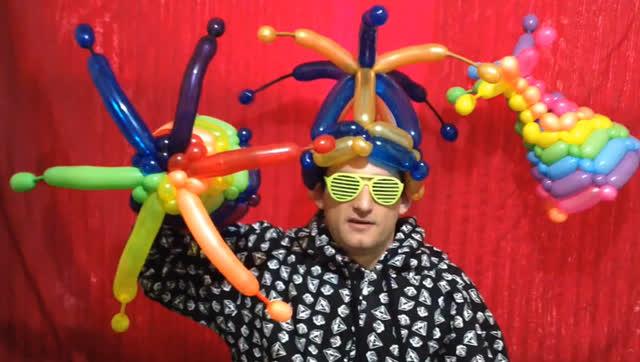 """气球造型""""小蜜蜂""""长条魔术气球造型教程"""