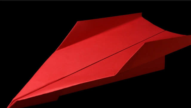 不一样的纸飞机应该这样折!能飞多远试试就知道了