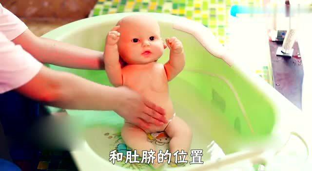 一看就会的新生儿洗澡步骤.一看就会了