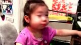 超萌2岁小美女自曝最爱林书豪 科比搞笑躺枪