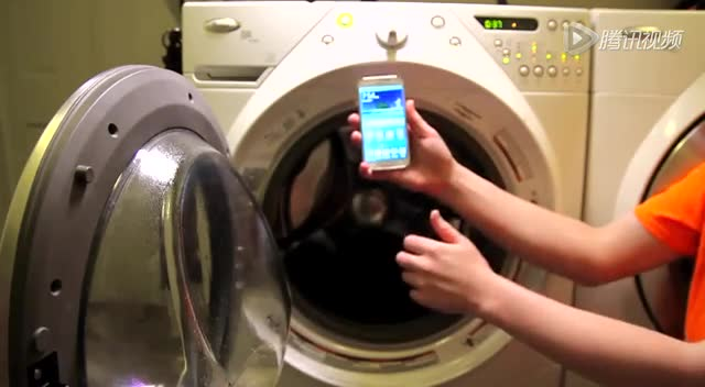 Galaxy S5极限防水测试 超水平发挥表现出色截图