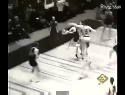 NBA早期巨星影像 福尔克斯领衔黑白时代截图