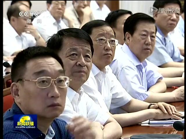 李克强:调整经济结构 促进转型升级