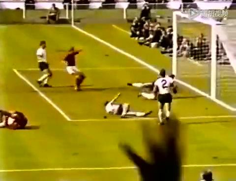 世界杯50大瞬间 第6 1966年决赛门线疑案截图