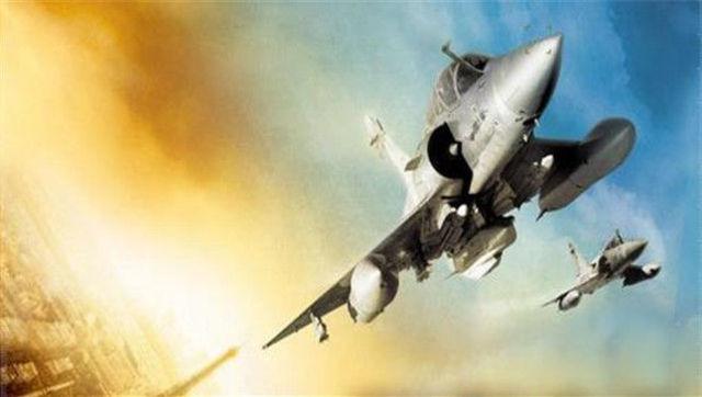 梦见飞机在天上飞,自己被敌人追赶
