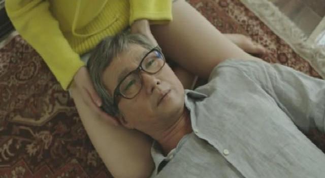 韩国禁播故事《银娇》精彩电影,一个高中女生和她爷爷的公寓韩国电影v故事字幕在线观看中文片段图片