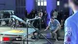 视频:跑酷大神另类追逐赛 障碍场地撑过20秒