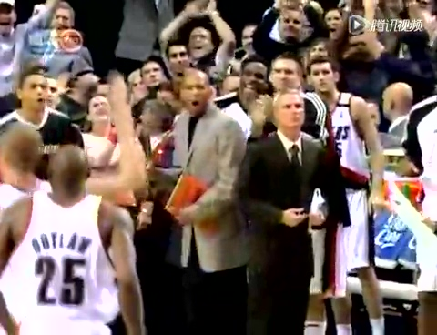 NBA巅峰战之开拓者 罗伊2秒连环绝杀击落火箭截图