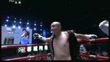 视频:8强争夺战 中国努尔拉1分07秒遭KO