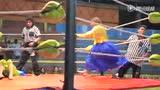 视频:玻利维亚女子摔跤 扯发揪耳惨叫连连