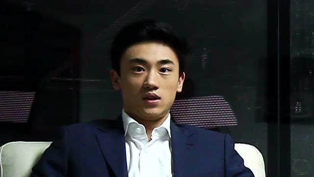 视频:宋安东陈梓蒙专访 北京冰球少年为国争光