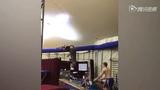 看外国二货少年怎么玩耍 逆天爬绳呼啦圈+奇葩蹦床