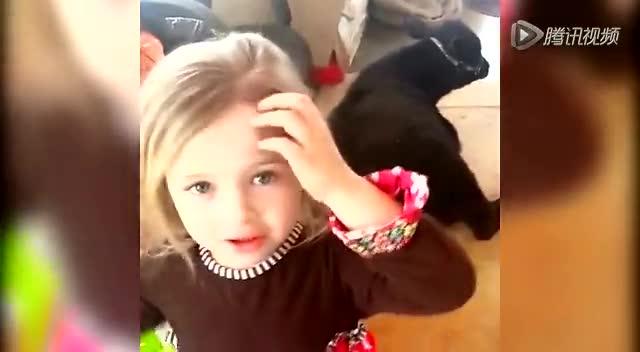 美国5岁女童养奶牛当宠物 相依而眠萌煞人截图