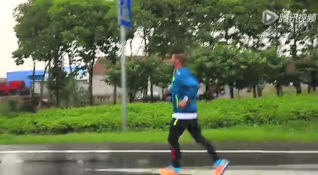 陈盆滨跑进3小时30分 马青骅陪跑截图