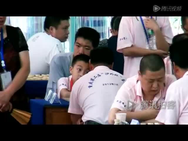 """重庆11岁""""神童""""击败中原象棋王"""