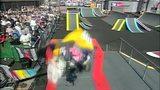 视频:大神BMX场地赛零失误 腾空转把前轮平衡