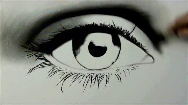 组图:出神入化!日本美术老师画粉笔画走红