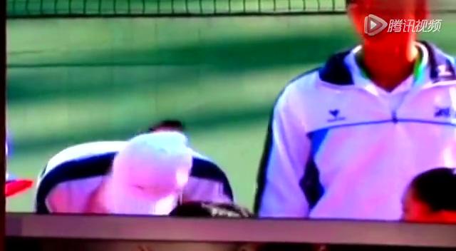 九运会网球混双颁奖影像 李娜疑似被扇耳光截图